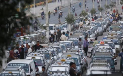 Long lines in Kathmandu gas stations